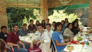 ALİKEV, destekçileriyle 19 Mayıs pikniğinde bir araya geldi.
