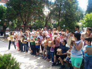 Otizmli çocuklarla kuş evi projesi