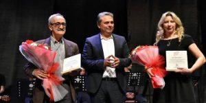 Belma Fırat, ödülünü ALİKEV'e bağışladı